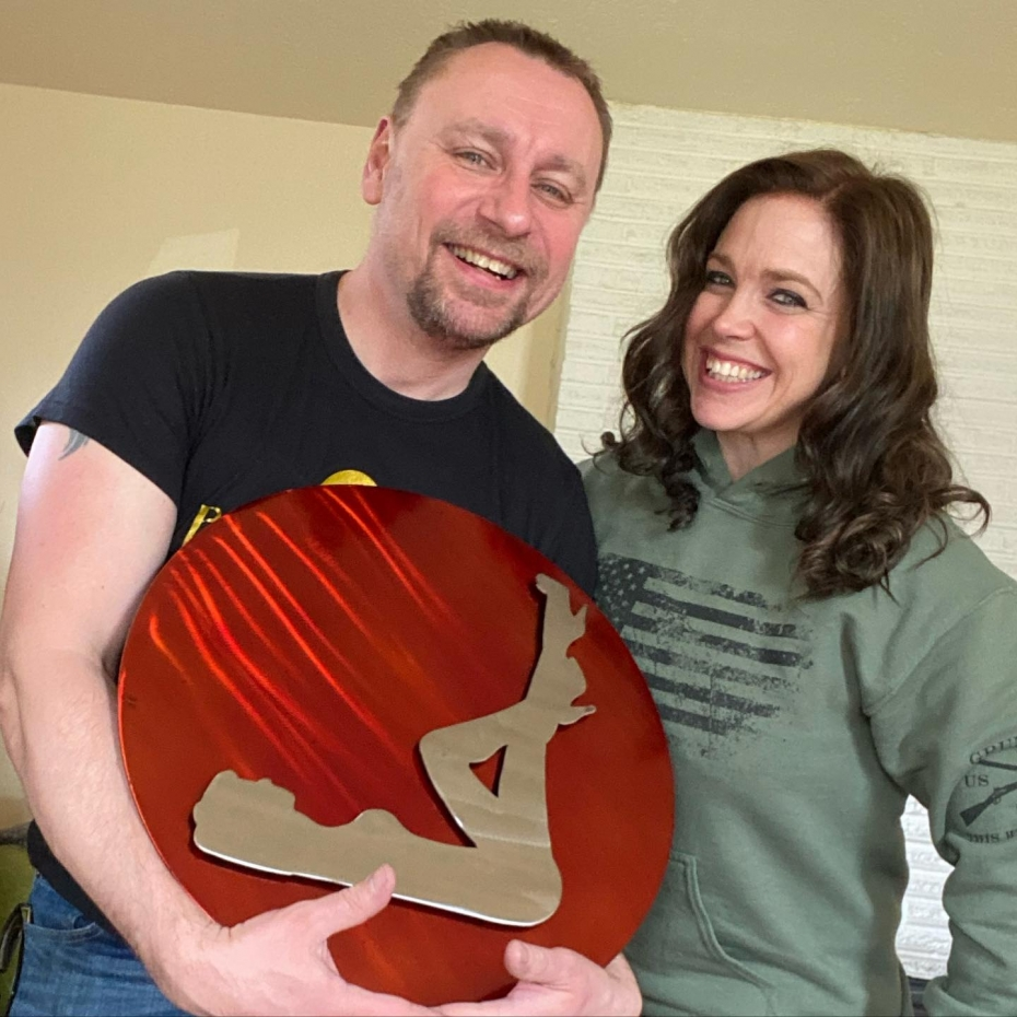 WOW!  My lovely client, Angela, came by today to pick up her beautiful artworks and surprised me with this amazing gift! The Portland Pin-Ups logo made out of metal, it's stunning! Angela owns and runs her own welding shop and loves to create metal art. This will take pride of place over my desk.Thank you so much Angela, what a lovely gift!